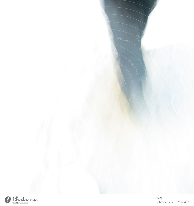 TWISTER gehen abstrakt Überbelichtung weiß Licht Aquarell diffus unklar Rauschmittel blenden wahrnehmen Flüssigkeit schmelzen Fußgänger Tornado