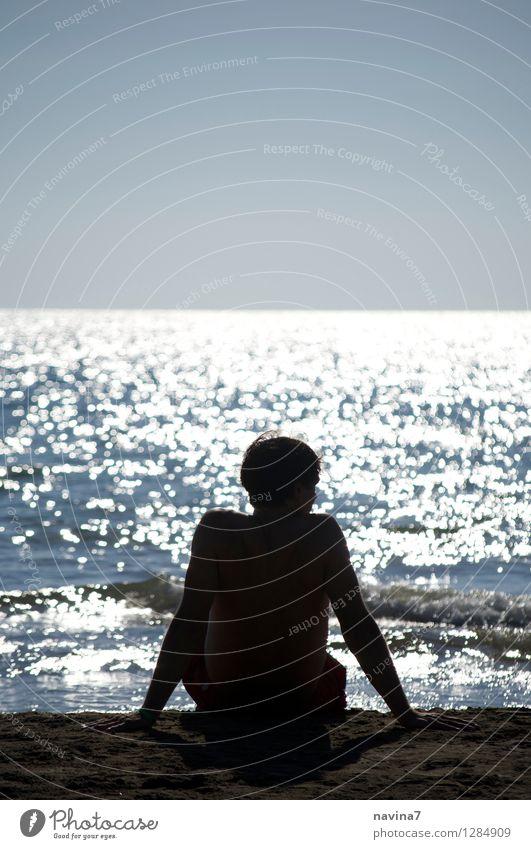tiefenentspannt Mensch maskulin Junger Mann Jugendliche Erwachsene Rücken 1 18-30 Jahre 30-45 Jahre 45-60 Jahre Himmel Wolkenloser Himmel Horizont Sonne