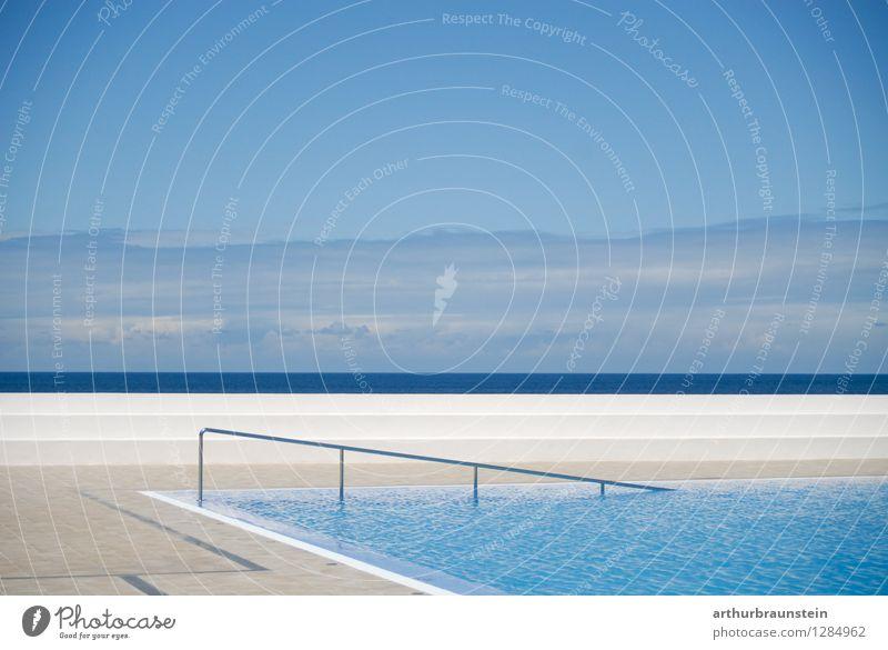 Swimmingpool am Meer Ferien & Urlaub & Reisen blau schön Sommer Wasser Sonne Erholung ruhig Wolken Schwimmen & Baden Lifestyle Horizont Freizeit & Hobby