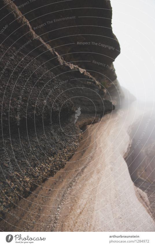 Gesteinsschichten im Nebel Freizeit & Hobby Ferien & Urlaub & Reisen Tourismus Ausflug Ferne Berge u. Gebirge wandern Klettern Bergsteigen Archäologie Umwelt