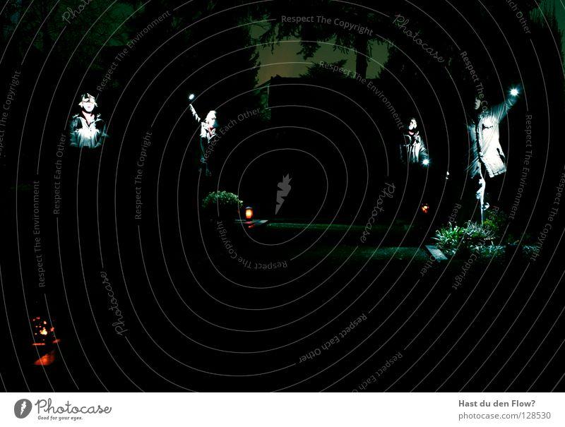 Zu Grabe dunkel Finger Licht schwarz heiß Hölle Licht im Dunkeln brennen Ping elektronisch Lampe Anschluss Krallen Haushuhn böse Schmerz Friedhof töten Tod
