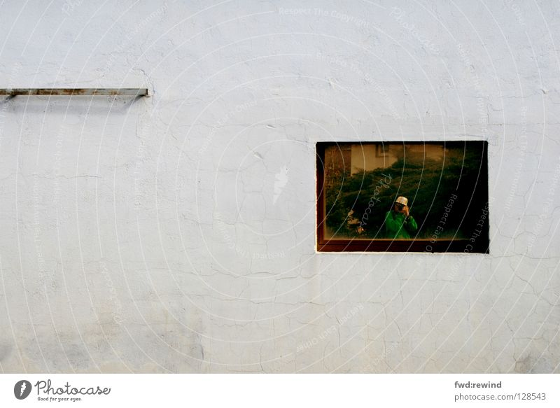 Portrait eines Fotografen Spiegel Wand Fenster Langeweile kalt Wetter Kommunizieren selbsportrait selbstbildniss