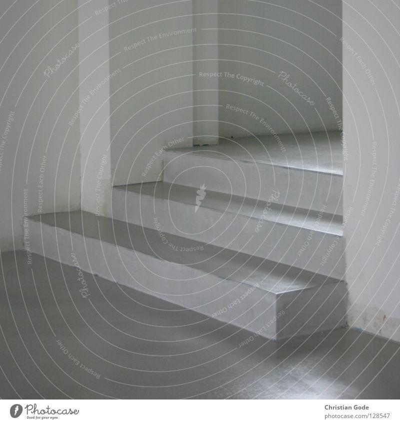 Treppe alt weiß Farbe Wand grau Stein Mauer Gebäude Raum Wohnung Beton Treppe neu Ecke trist