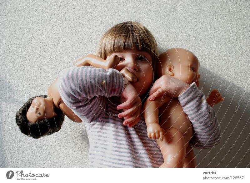 pupentheater V Kind Mädchen Tier dunkel Wand Spielen grau Haare & Frisuren 2 hell Show festhalten Kleinkind Statue zeigen Versuch