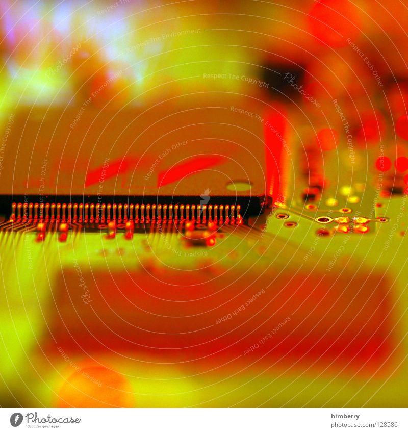 chips machen dick Elektrisches Gerät Platine Motherboard Express Computer Server Draht Kraft DVD-ROM Verbindung Anschluss verbinden kaputt Technik & Technologie