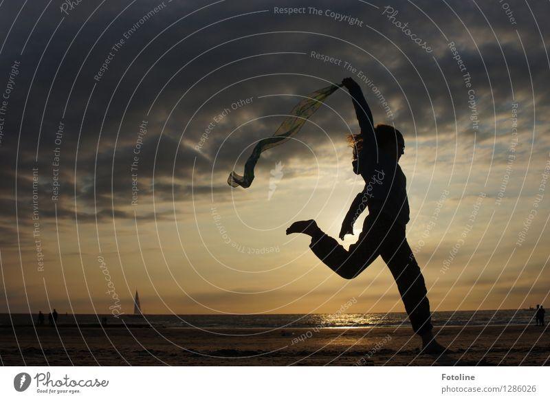sportlich, sportlich! Mensch feminin Mädchen Junge Frau Jugendliche Kindheit 1 Umwelt Natur Landschaft Himmel Wolken Sommer Küste Strand Nordsee Meer natürlich