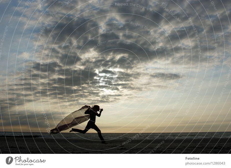 Superwoman! Mensch feminin Kind Mädchen Kindheit Jugendliche 1 Umwelt Natur Landschaft Urelemente Erde Himmel Wolken Sommer Schönes Wetter Küste Strand Nordsee
