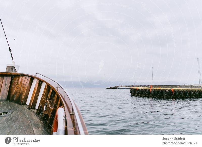 Húsavík Angeln Ferien & Urlaub & Reisen Tourismus Ausflug Wolken Schwimmen & Baden Island husavik Hafen Schifffahrt Jacht Berge u. Gebirge Wellen Wellengang