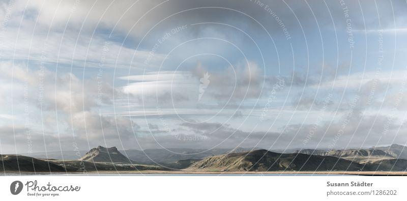 fernwehliebe.island Hügel Küste Seeufer Ferien & Urlaub & Reisen Island Gletscher Licht Berge u. Gebirge Gipfel grün Herbst Norden Skandinavien Wolken Natur