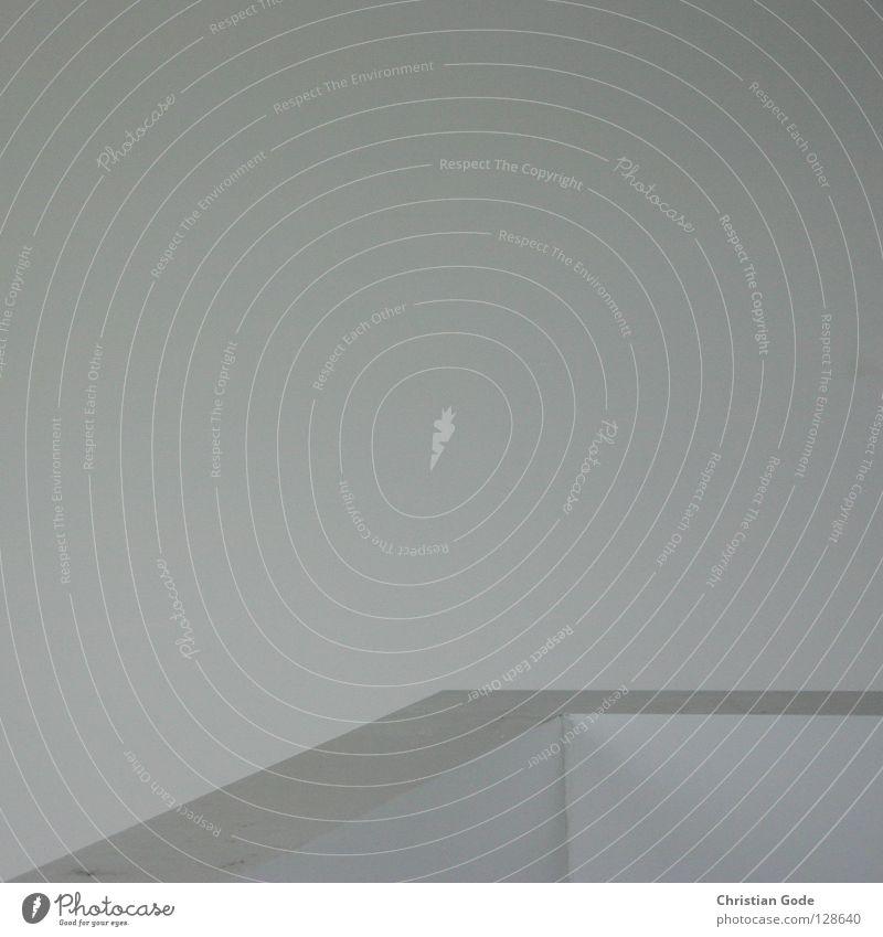 Ecke Ahoi alt weiß Farbe Wand grau Stein Mauer Gebäude Raum Wohnung Beton Treppe neu trist