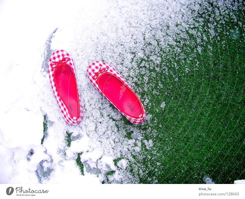 den sommer verpasst rot weiß grün Frühling Sommer Winter kariert Schuhe Muster Wiese Kontrast Übergangswetter Scchleifen unpassend Übergangsschuh Schnee Rasen
