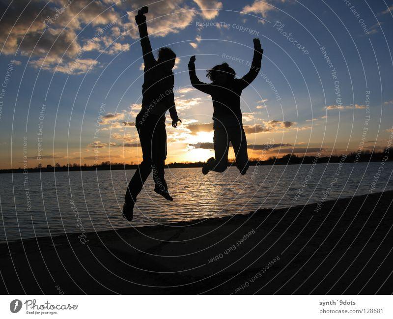 Jump! Mensch Wasser Himmel Sonne Freude Wolken springen See Abenddämmerung hüpfen