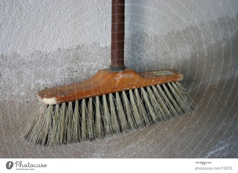 Der Zauberbesen Wand dreckig Häusliches Leben Reinigen Stengel Putz Staub Besen saugen Kehren Wischen