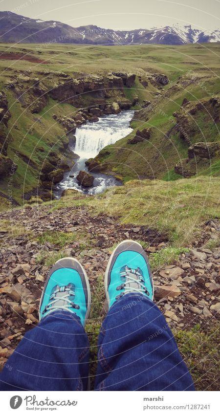 Die Aussicht genießen Mensch Fuß 1 Natur Landschaft Hügel Berge u. Gebirge Gletscher Vulkan Fluss Wasserfall Gefühle Stimmung Freude Island Reisefotografie