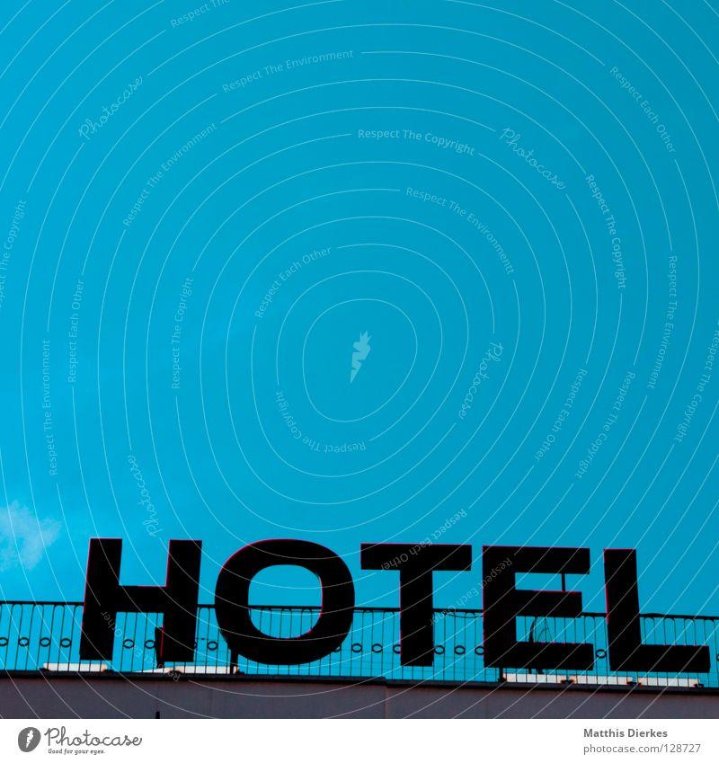 Hotel Ferien & Urlaub & Reisen Wohnung Hochhaus Dach Werbung Typographie Spanien Barcelona Unterkunft Domizil Motel Ferienwohnung Fünf Sterne
