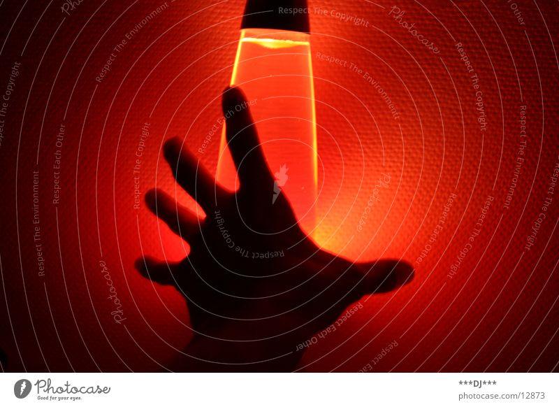 Hand im Licht II Mensch Hand rot Lampe Arme Finger Freizeit & Hobby Griff Lava