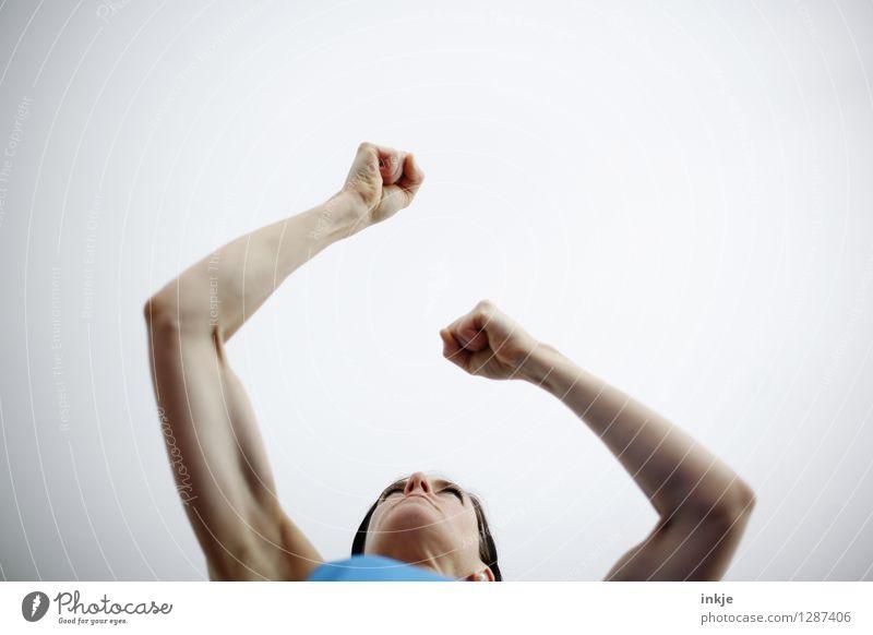 das Testosteron-Prinzip Mensch Frau Hand Erwachsene Leben Gefühle Sport Lifestyle Kraft Arme Fitness sportlich stark Wut Mut Gewalt