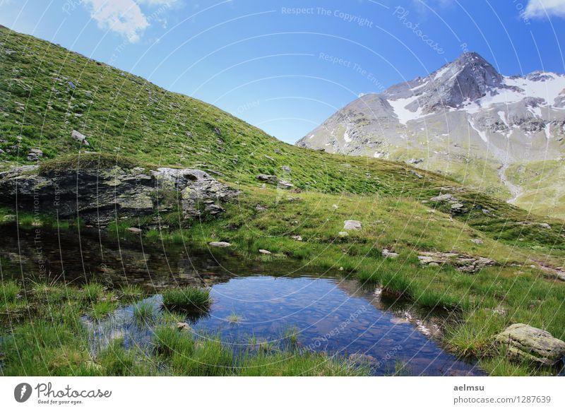 Berg Teich Himmel Natur Ferien & Urlaub & Reisen blau grün Sommer Landschaft ruhig Wolken Berge u. Gebirge Leben Gras grau Freiheit Felsen Horizont