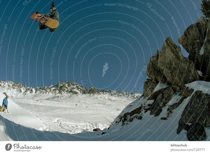 bs air Winter Berge u. Gebirge Felsen springen hoch berühren Schneebedeckte Gipfel Wolkenloser Himmel Mut Skigebiet Schneelandschaft Blauer Himmel Snowboard