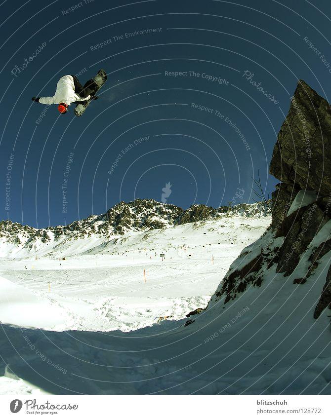 frotnsiderodeo540° Winter Berge u. Gebirge Sport Spielen fliegen springen verrückt gefährlich hoch Risiko Wolkenloser Himmel drehen Skigebiet Blauer Himmel