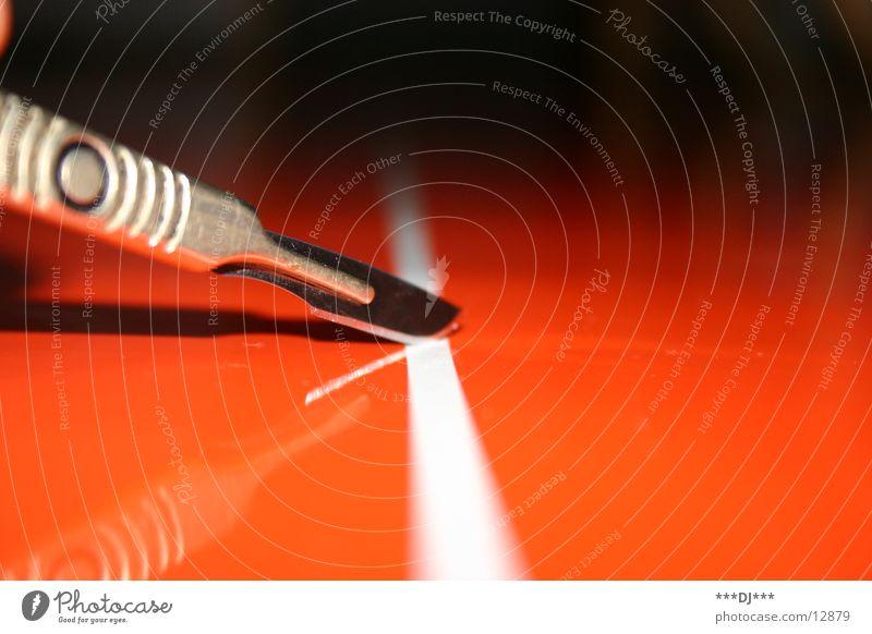 Skalpellschnitt II entgittern Arzt Handwerk Skalpenn ausschneiden Spitze Messer Klinge Scharfer Gegenstand