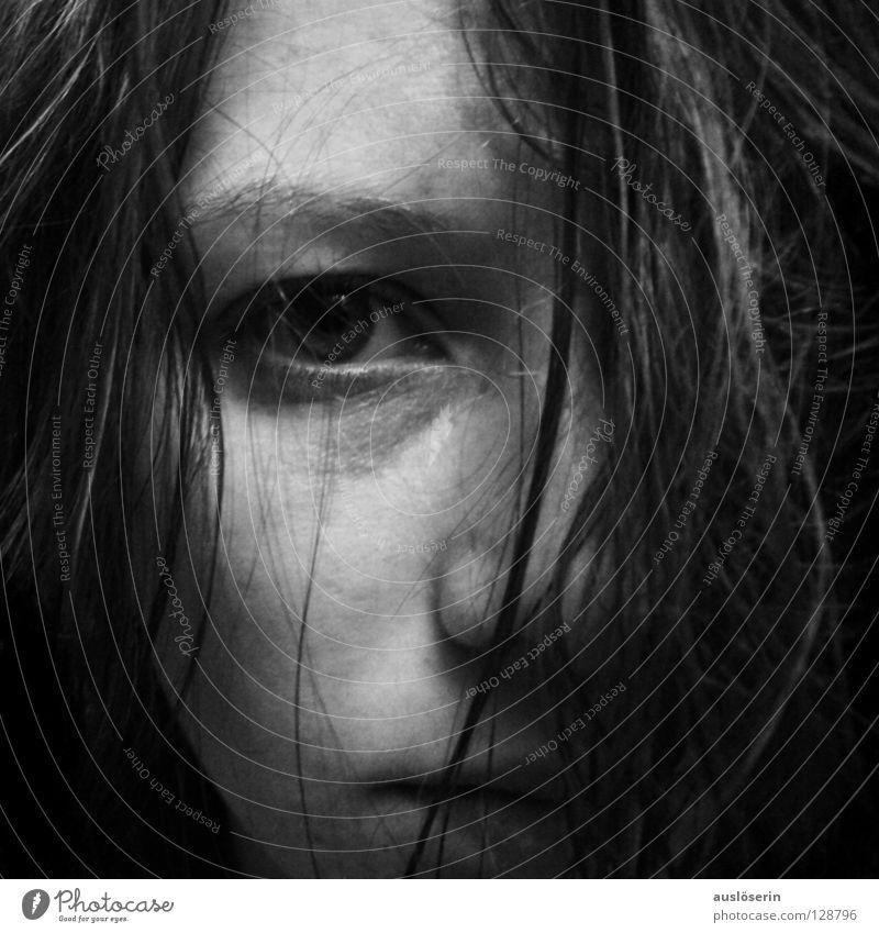 Durcheinander** durcheinander Haarsträhne Makroaufnahme Nahaufnahme Gesicht Gesichtsausdruck Selbstbildnis Haare & Frisuren Auge Nase Mund Face