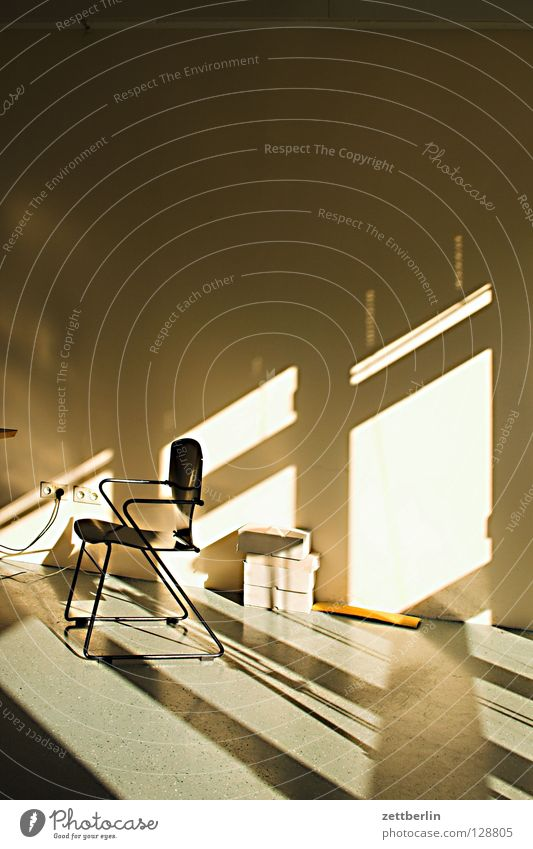 Resteverwertung Sonne Wand Büro Fenster Raum Stuhl Häusliches Leben Dienstleistungsgewerbe Fensterkreuz Bürostuhl Verschlagwortungsunlust