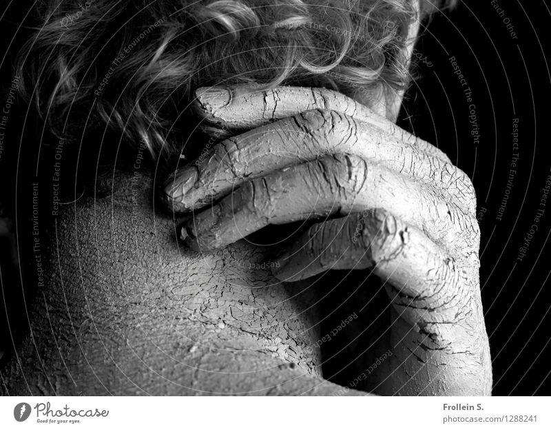Haut und Haar maskulin Mann Erwachsene Haare & Frisuren Hand Finger Hals Nacken Hautfalten Locken 1 Mensch 45-60 Jahre grauhaarig Riss berühren Erotik trocken