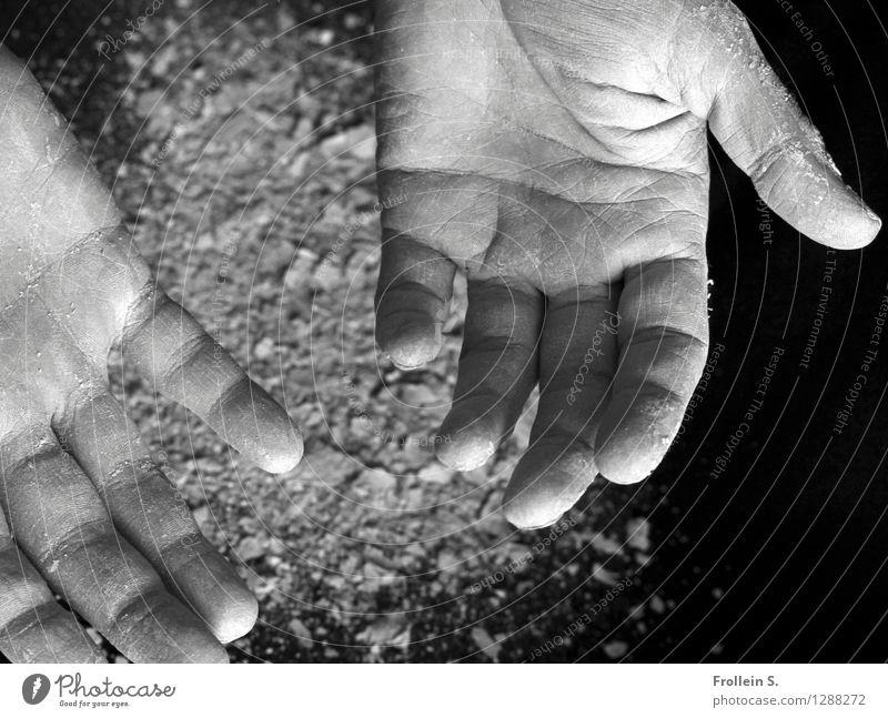 Leer Mensch Jugendliche Mann Hand 18-30 Jahre Erwachsene maskulin dreckig offen leer Haut Finger Wunsch Hautfalten Staub Krümel