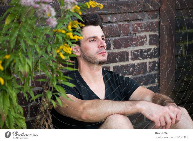 Sitzenbleiber Mensch maskulin Junger Mann Jugendliche Erwachsene Partner Leben 18-30 Jahre träumen sitzen Ferne drüben hocken hockend attraktiv verheimlichen