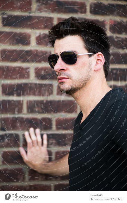 Sonnenbrille Stil schön Ferien & Urlaub & Reisen Mensch maskulin Junger Mann Jugendliche Erwachsene Leben 1 18-30 Jahre Mauer Wand stehen Coolness Blick schwarz
