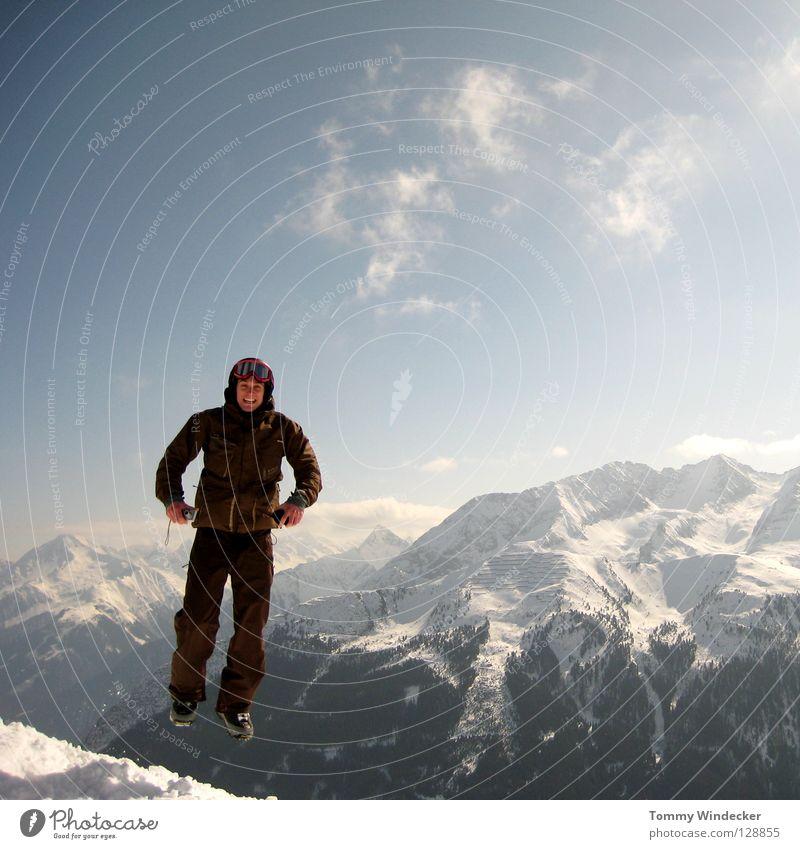 Schwerelos III Mensch Himmel Natur Ferien & Urlaub & Reisen Mann blau weiß Landschaft Wolken Freude Winter kalt Berge u. Gebirge Schnee Spielen lachen