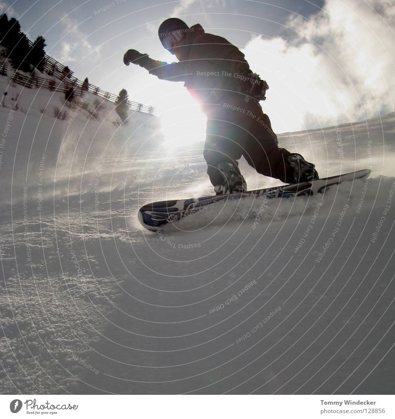 Kreuzjoch X-Press Winter Winterurlaub Snowboarding Wintersport Skipiste Schneelandschaft Skigebiet alpin weiß kalt Schneebrille Mann springen hüpfen