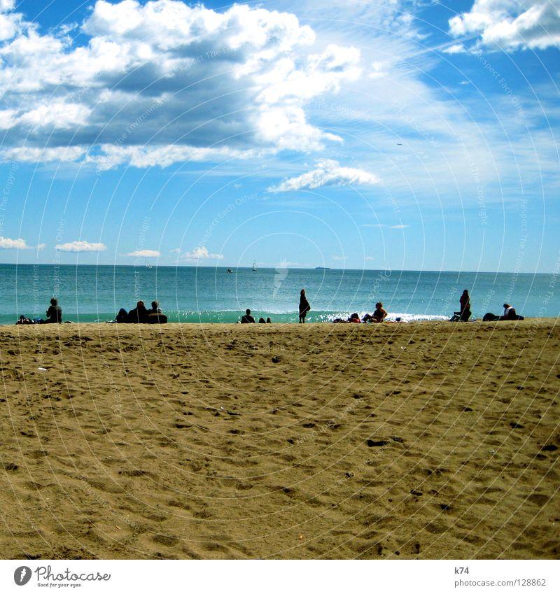 LOUNGIN Strand Meer Himmel Wolken Fähre Wasserfahrzeug Wellen Brandung Sonntag Erholung erste Horizont türkis Küste sea coast sky Mensch Segel Sand Reihe