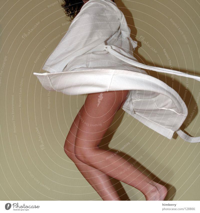good morning dance Frau weiß feminin Bewegung Beine laufen Haut Bekleidung Bad Hotel Dynamik Mantel Flucht Knie Wade Bademantel