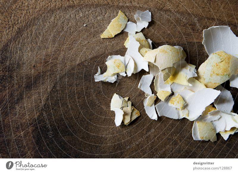 gegessen Ostern Osterei vergangen fertig Vergangenheit Vergänglichkeit Verfall temporär zurück Feiertag Rettung schuldig unschuldig Symbole & Metaphern Inhalt