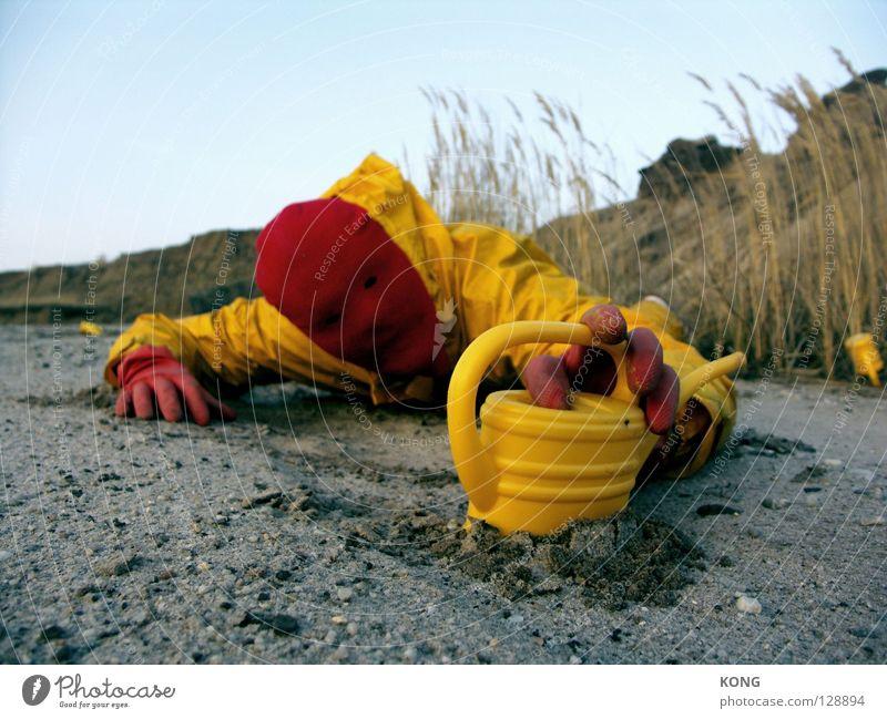 gefunden Himmel gelb grau dreckig Erde mehrere Bodenbelag Wüste Maske Hügel Konzentration Anzug viele Paradies Planet beige