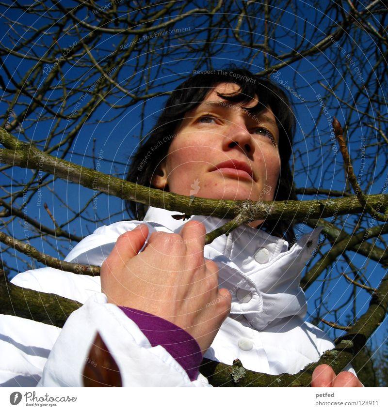 Was Frauen wollen II Mensch Himmel Baum Winter Ferne Gefühle Denken träumen warten Jacke Leidenschaft Meinung Wissen Halt