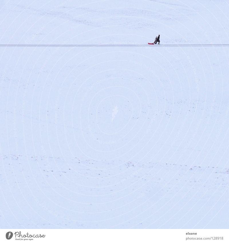 ::MISSION:: Rodeln Schlitten Winter wandern Einsamkeit sehr wenige Freizeit & Hobby Wintersport Schnee Berge u. Gebirge laufen Mensch Textfreiraum Linie Fußweg