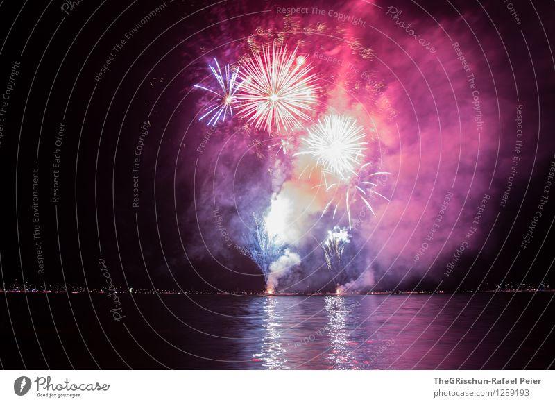 Feuerwerk 10 Künstler Theaterschauspiel blau mehrfarbig gelb grau violett orange rosa rot schwarz weiß Strukturen & Formen Explosion Langzeitbelichtung Muster