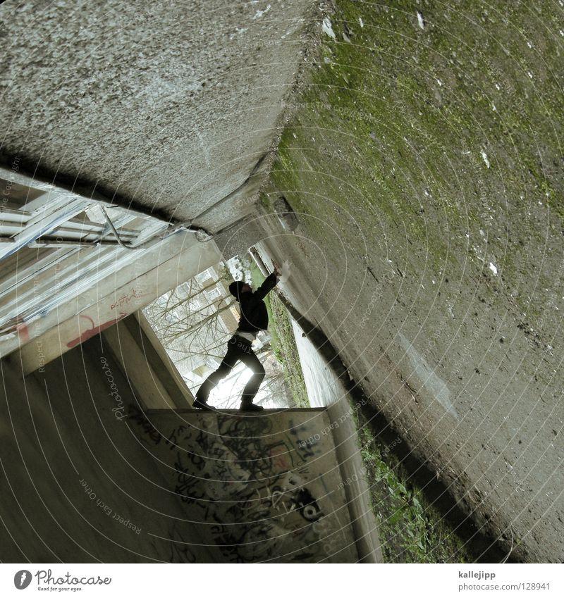 eckensteher Mann Silhouette Dieb Krimineller Rampe Laderampe Fußgänger Schacht Tunnel Untergrund Ausbruch Flucht umfallen Fenster Parkhaus Geometrie Gegenlicht