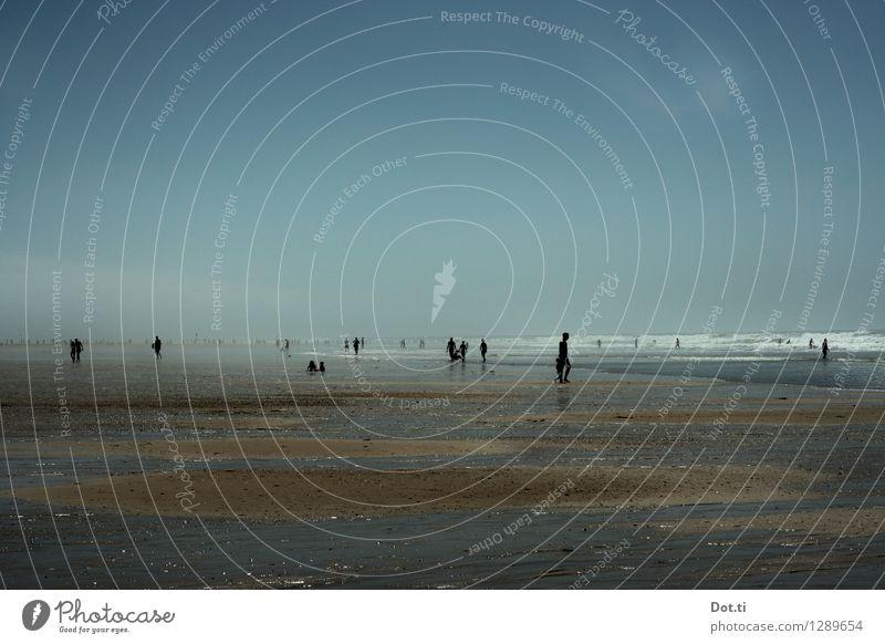 la chaleur Mensch Himmel Kind Ferien & Urlaub & Reisen Jugendliche blau Sommer Meer Ferne Strand Erwachsene Leben Küste Sport Spielen Familie & Verwandtschaft