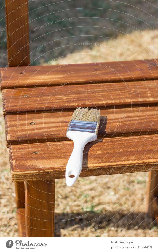 Die Sonne trocknet Design Garten Renovieren Möbel Natur liegen alt retro braun geduldig ruhig nachhaltig stagnierend Pinsel Stuhl Holz Holzstuhl trocknen