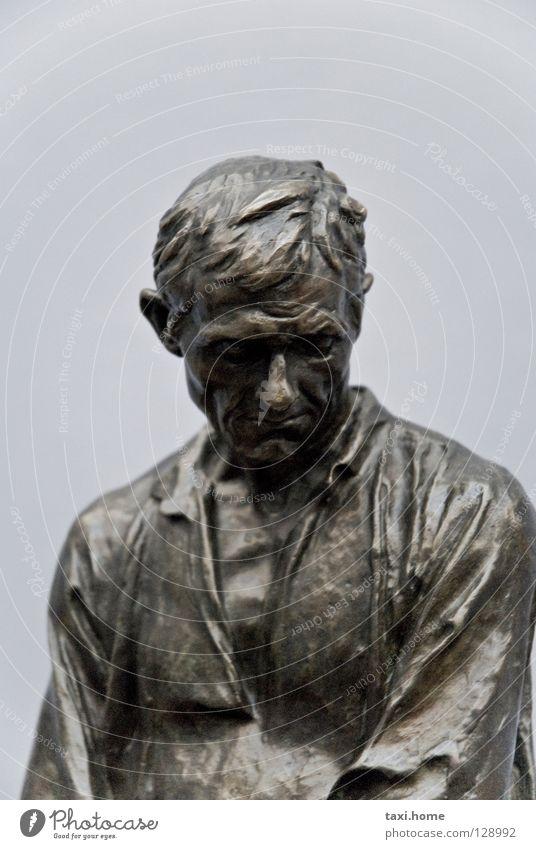 Bauer Mann alt Leben Arbeit & Erwerbstätigkeit Kopf Traurigkeit Metall Kunst Armut Ende Brust Leidenschaft Mut Statue Landwirtschaft Falte