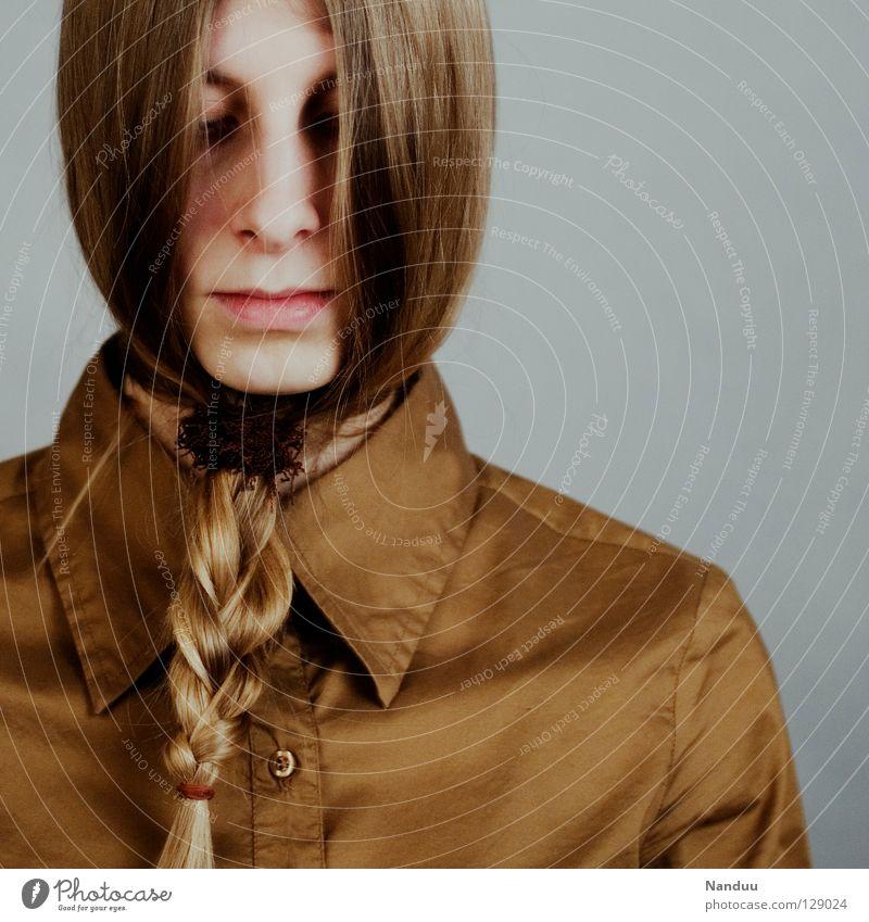 wer virrt Haare & Frisuren ruhig Erfolg Arbeit & Erwerbstätigkeit Frau Erwachsene Bart Hemd Krawatte Maske Zopf Denken Traurigkeit außergewöhnlich lustig Trauer
