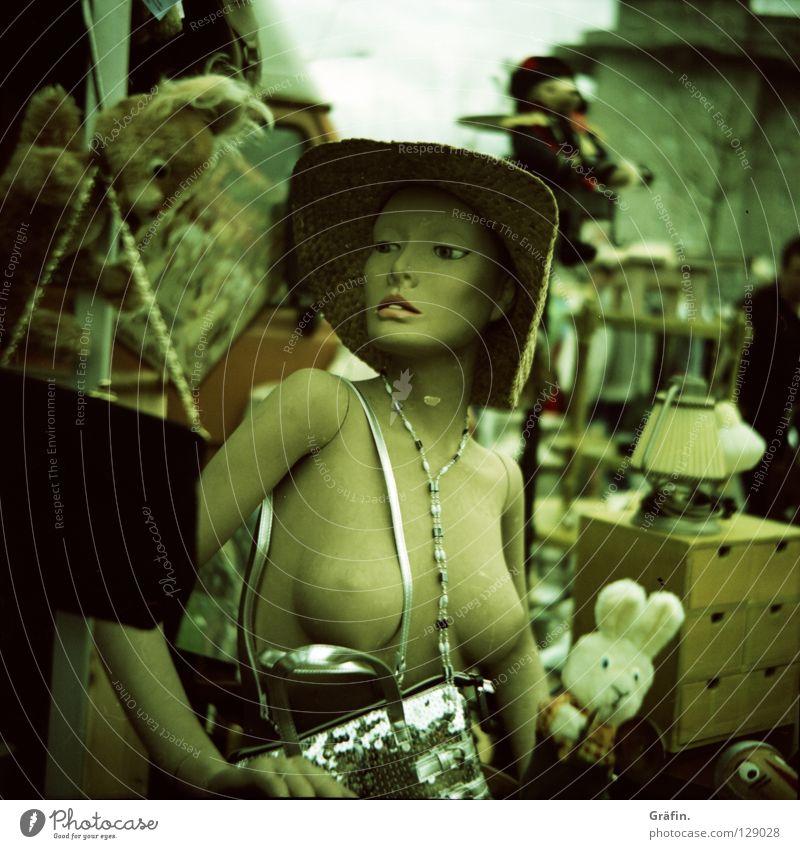 Flohmarktbraut Frau Lampe nackt glänzend Model Dekoration & Verzierung Hut Schmuck trashig Puppe Kette Tasche Hase & Kaninchen hässlich Schaufensterpuppe