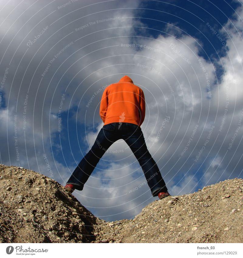 Kapuzenmännchen Mensch Himmel blau Hand weiß Wolken Einsamkeit Farbe dunkel Berge u. Gebirge Freiheit grau Stein Traurigkeit Denken See