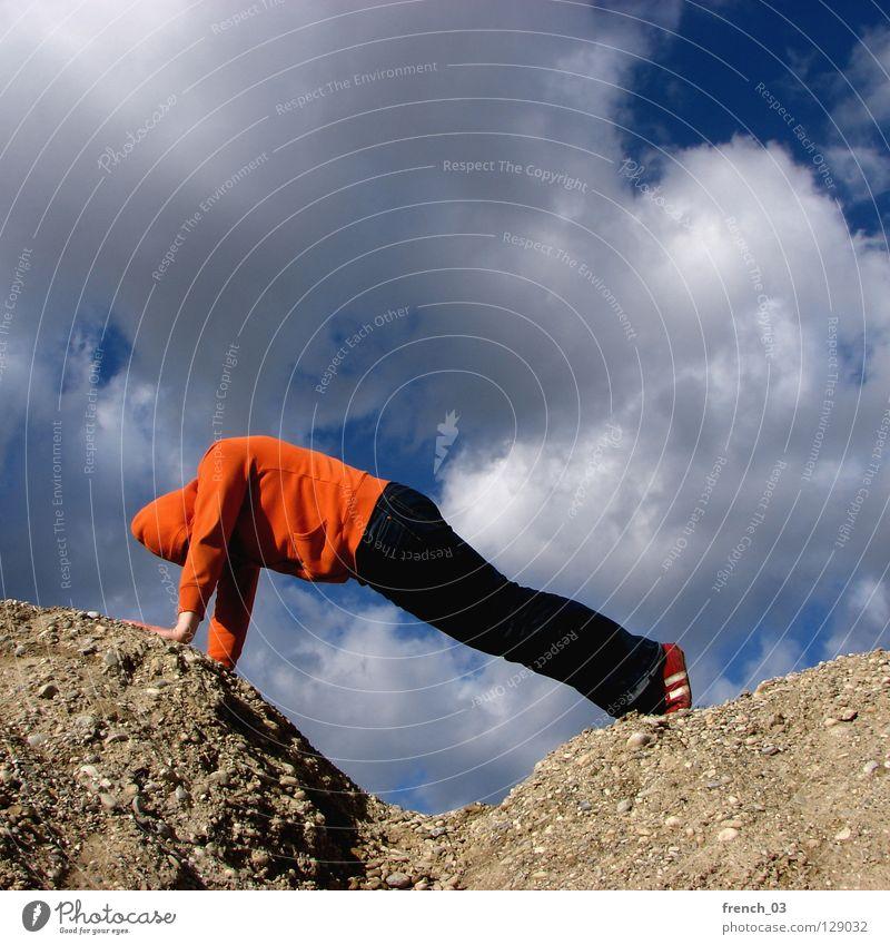 gut Mensch Kapuze Pullover Jacke weiß See Denken Zwerg gesichtslos maskulin unerkannt Kapuzenpullover Hand zyan Wolken schlechtes Wetter Froschperspektive