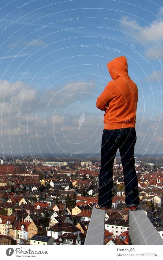 Irgendwann Mensch Kapuze Pullover Jacke weiß See Denken Zwerg gesichtslos maskulin unerkannt Kapuzenpullover Hand zyan Wolken schlechtes Wetter