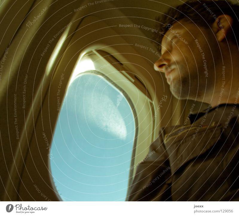 Nix wie weg! Himmel Mann Ferien & Urlaub & Reisen Sommer Freude Gesicht Erholung Fenster Wärme Zufriedenheit gehen Angst Ausflug Beginn Flugzeug Tourismus